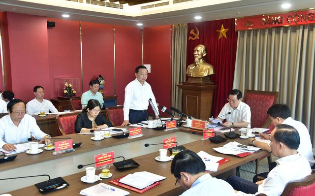 Bí thư Thành ủy Hà Nội: Kiện toàn để bộ phận giám sát hệ thống cấp nước sạch trực thuộc Sở Tài nguyên và Môi trường đi vào làm việc ngay - Ảnh 2.