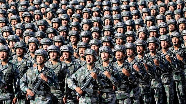 """Giới chức quân đội Trung Quốc tỏ thái độ """"rắn"""" với động thái chỉ mặt, nêu tên hiếm hoi - Ảnh 2."""