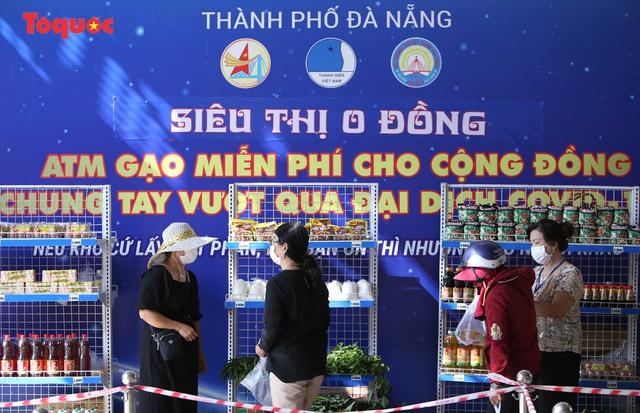 """""""Siêu thị 0 đồng"""" giúp những hoàn cảnh khó khăn ở Đà Nẵng giữa mùa dịch - Ảnh 6."""