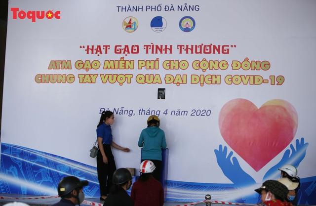 """""""Siêu thị 0 đồng"""" giúp những hoàn cảnh khó khăn ở Đà Nẵng giữa mùa dịch - Ảnh 4."""
