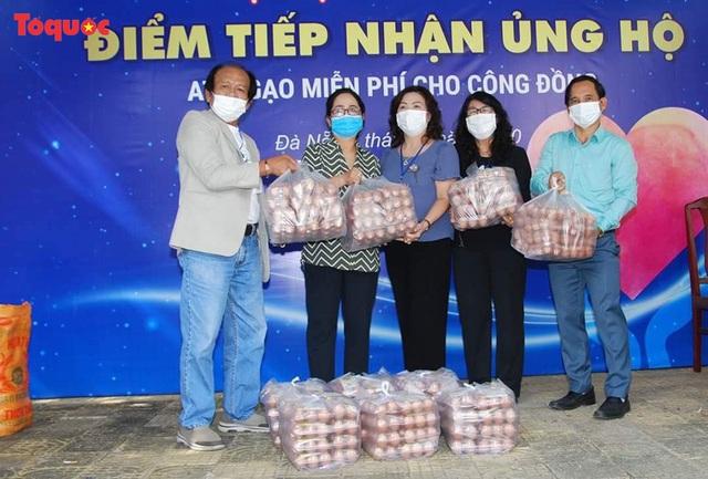"""""""Siêu thị 0 đồng"""" giúp những hoàn cảnh khó khăn ở Đà Nẵng giữa mùa dịch - Ảnh 17."""