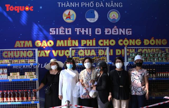 """""""Siêu thị 0 đồng"""" giúp những hoàn cảnh khó khăn ở Đà Nẵng giữa mùa dịch - Ảnh 12."""