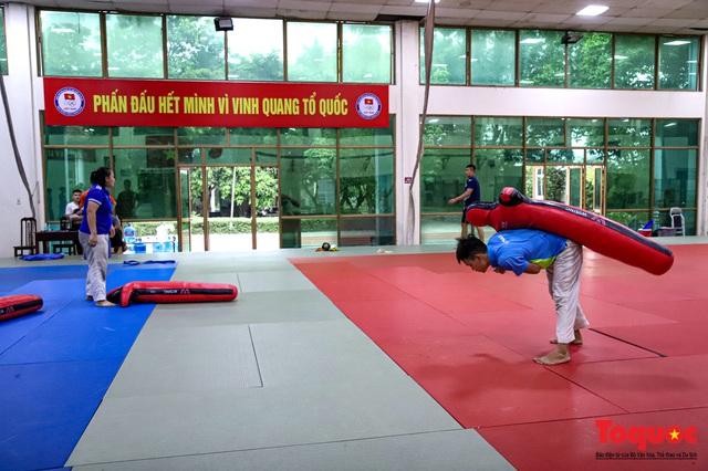 Các vận động viên tập luyện xuyên mùa COVID-19, chuẩn bị sẵn sàng cho các giải đấu khi dịch bệnh kết thúc. - Ảnh 12.