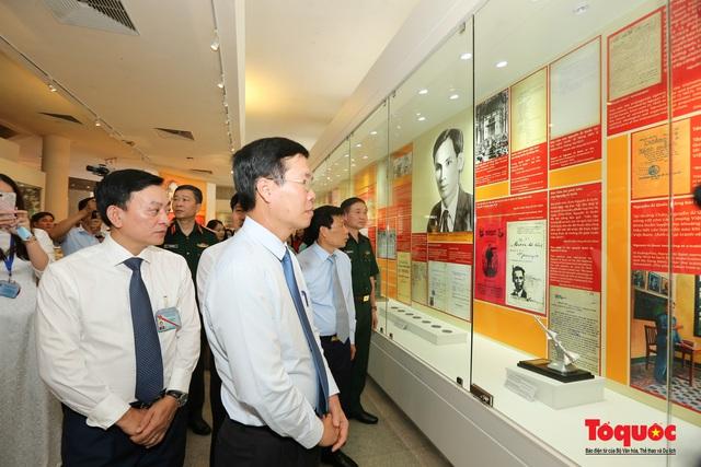 Khai mạc trưng bày chuyên đề: Hồ Chí Minh - Những nét phác họa chân dung; Những tấm gương bình dị mà cao quý  - Ảnh 17.