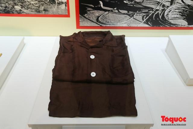 Khai mạc trưng bày chuyên đề: Hồ Chí Minh - Những nét phác họa chân dung; Những tấm gương bình dị mà cao quý  - Ảnh 14.