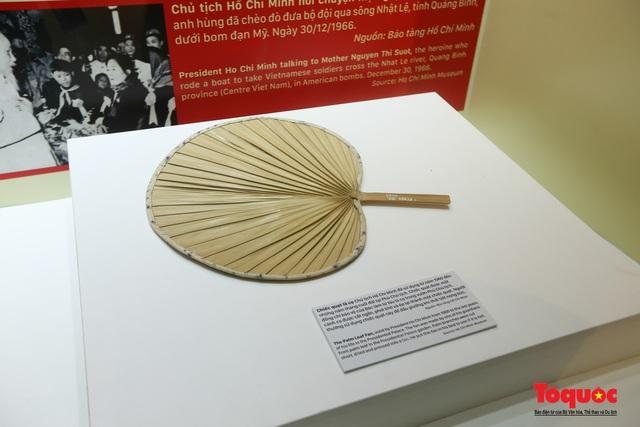Khai mạc trưng bày chuyên đề: Hồ Chí Minh - Những nét phác họa chân dung; Những tấm gương bình dị mà cao quý  - Ảnh 12.