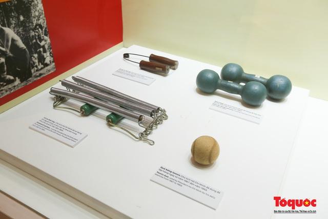Khai mạc trưng bày chuyên đề: Hồ Chí Minh - Những nét phác họa chân dung; Những tấm gương bình dị mà cao quý  - Ảnh 10.