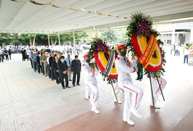 Cử hành trọng thể lễ tang đồng chí Nguyễn Đình Hương - Ảnh 3.