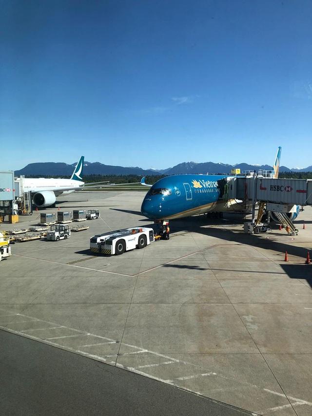 276 công dân từ Vancouver  (Canada) đã về tới Việt Nam, ngay lập tức cách ly - Ảnh 1.
