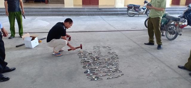 Xử lý, tiêu hủy 198 chiếc đồng hồ giả mạo nhãn hiệu - Ảnh 2.