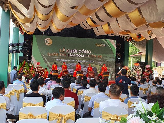 UBND tỉnh Thừa Thiên Huế lên tiếng về việc doanh nghiệp khởi công sân golf chưa đủ thủ tục - Ảnh 1.
