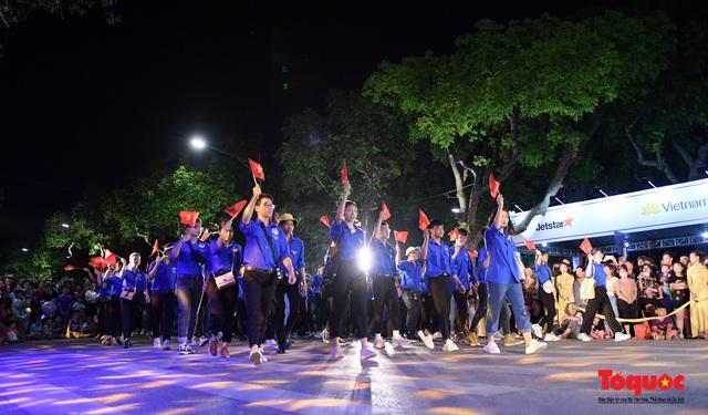 Rực rỡ sắc màu từ lễ hội đường phố ''Hà Nội - điểm đến xanh'' - Ảnh 14.