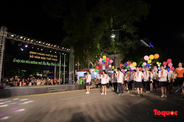 Rực rỡ sắc màu từ lễ hội đường phố ''Hà Nội - điểm đến xanh'' - Ảnh 3.