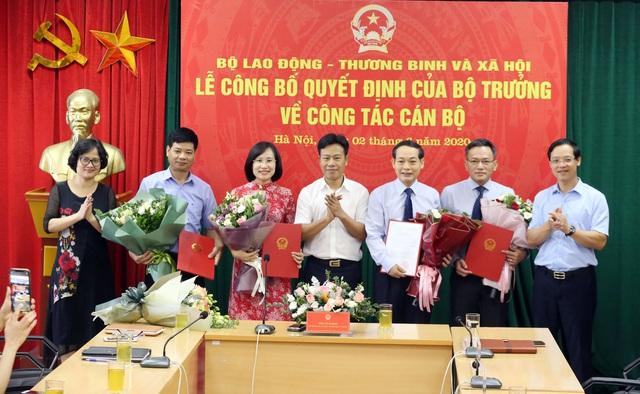 Bộ Lao động- Thương binh và Xã hội công bố quyết định bổ nhiệm cán bộ lãnh đạo - Ảnh 1.
