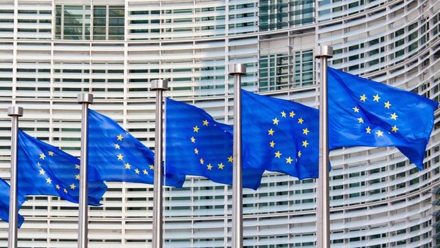Châu Âu chuẩn bị mở cửa biên giới đón các quốc gia khác ngoài khối nhưng không phải là Mỹ - Ảnh 1.