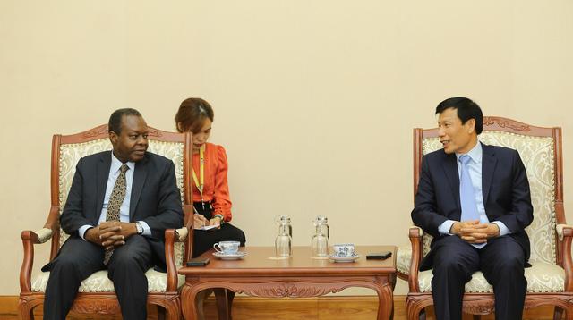 Angola mong muốn tăng cường hợp tác với Việt Nam trong lĩnh vực văn hóa, thể thao và du lịch - Ảnh 2.