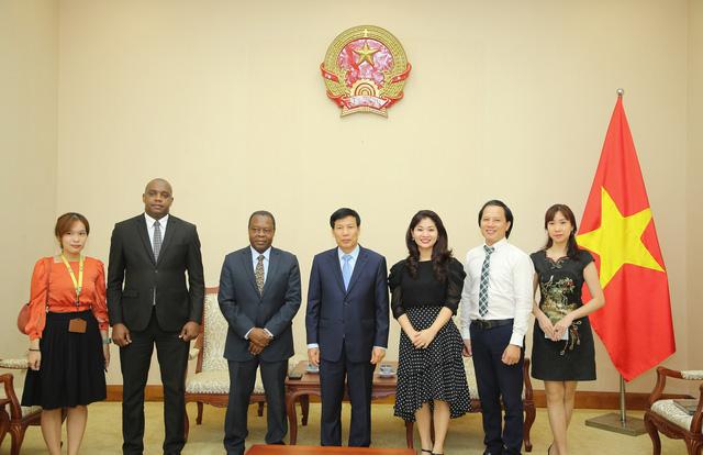Angola mong muốn tăng cường hợp tác với Việt Nam trong lĩnh vực văn hóa, thể thao và du lịch - Ảnh 3.