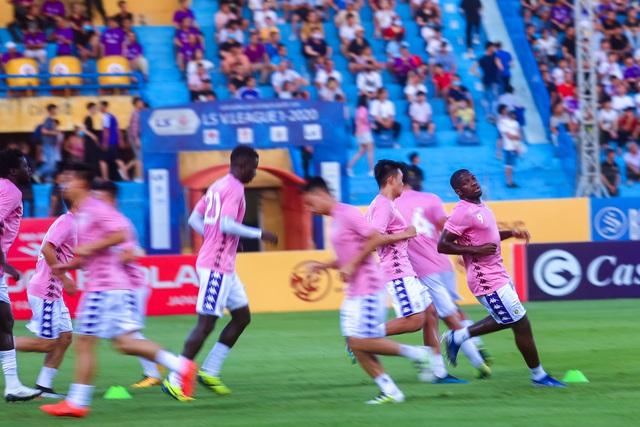 Chùm ảnh: Màn ra mắt ấn tượng của Rimario trong màu áo Hà Nội FC sau quãng thời gian dài chấn thương - Ảnh 2.