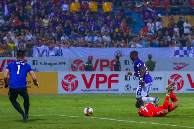 Chùm ảnh: Màn ra mắt ấn tượng của Rimario trong màu áo Hà Nội FC sau quãng thời gian dài chấn thương - Ảnh 8.