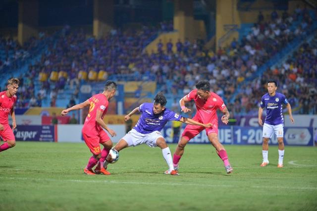 [Chùm ảnh] Thất bại đắng thứ hai của Hà Nội FC ngay trên sân nhà - Ảnh 8.