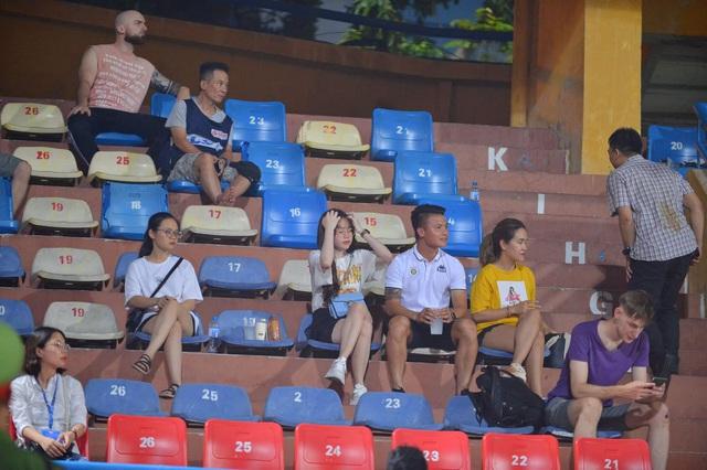 [Chùm ảnh] Thất bại đắng thứ hai của Hà Nội FC ngay trên sân nhà - Ảnh 2.