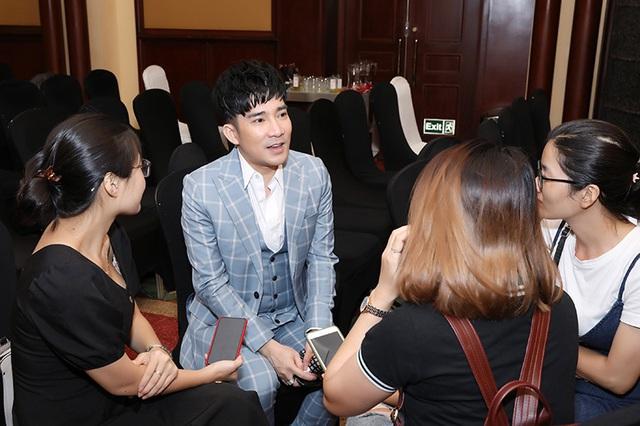 """Quang Hà: 'Một ca khúc hit có thể mua được biệt thự"""" - Ảnh 2."""