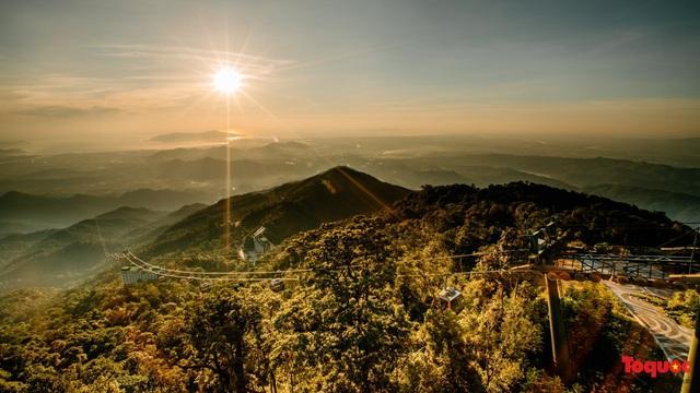 Ngắm Cầu Vàng đẹp lạ trong nắng sớm - Ảnh 9.