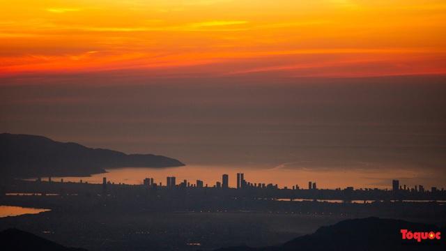 Ngắm Cầu Vàng đẹp lạ trong nắng sớm - Ảnh 10.