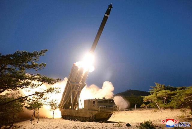 """""""Dè chừng"""" loạt tên lửa mới của Triều Tiên, Mỹ kêu gọi sự chú ý toàn cầu - Ảnh 1."""