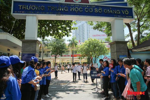 Thi môn Ngữ văn vào 10 tại Hà Nội: có 3 thí sinh vi phạm quy chế thi - Ảnh 1.