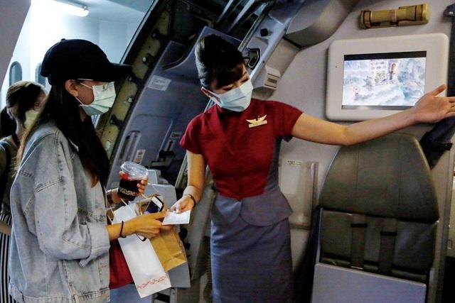 """Đài Loan chiều du khách giữa mùa dịch bằng dịch vụ ra nước ngoài bằng máy bay """"giả"""" - Ảnh 1."""