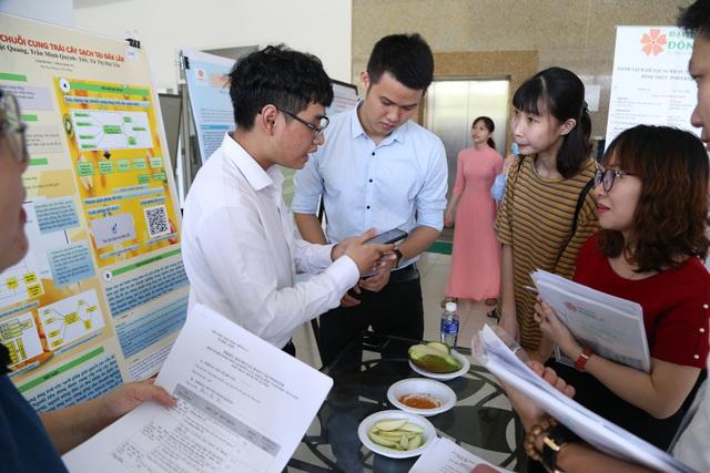 Sinh viên nghiên cứu khoa học ứng dụng để khởi nghiệp - Ảnh 2.