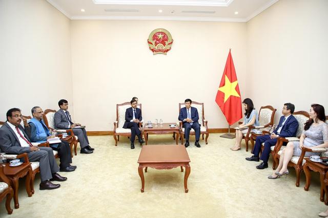 Bộ trưởng Nguyễn Ngọc Thiện tiếp Đại sứ Đặc mệnh toàn quyền Ấn Độ tại Việt Nam - Ảnh 2.