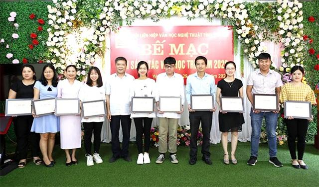 Yên Bái bế mạc trại sáng tác Văn học trẻ năm 2020 - Ảnh 1.