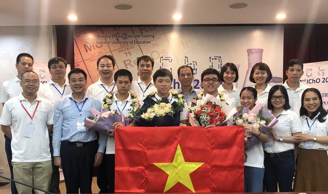 Việt Nam xuất sắc đoạt 4 Huy chương Vàng tại Olympic Hoá học quốc tế 2020 - Ảnh 1.