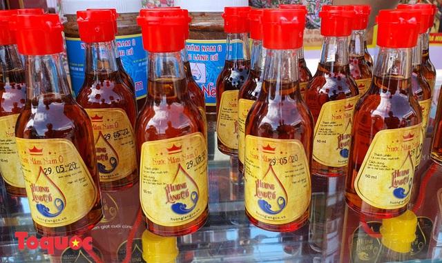 Vinh danh làng nghề nước mắm Nam Ô, công bố Đề án phát triển du lịch cộng đồng Nam Ô - Ảnh 1.