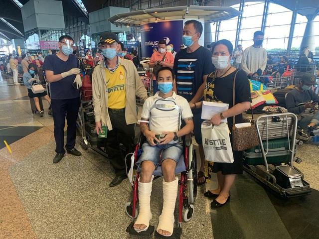 Đưa hơn 300 công dân Việt Nam từ Malaysia về nước an toàn - Ảnh 1.