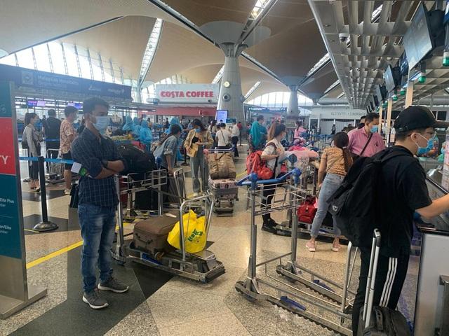Đưa hơn 300 công dân Việt Nam từ Malaysia về nước an toàn - Ảnh 4.