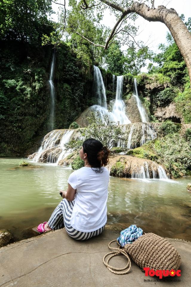 Chiêm ngưỡng vẻ đẹp của thác Dải Yếm giữa cao nguyên Mộc Châu - Ảnh 7.