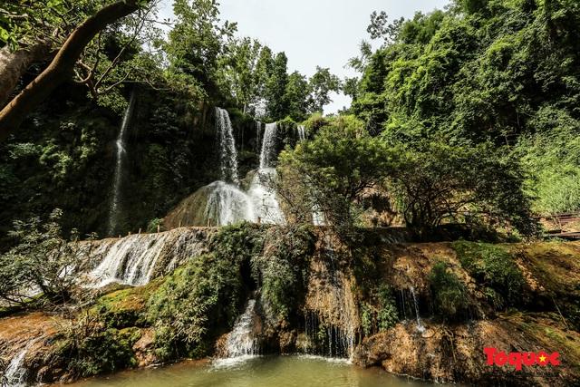 Chiêm ngưỡng vẻ đẹp của thác Dải Yếm giữa cao nguyên Mộc Châu - Ảnh 8.