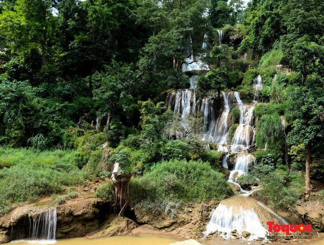 Chiêm ngưỡng vẻ đẹp của thác Dải Yếm giữa cao nguyên Mộc Châu - Ảnh 6.
