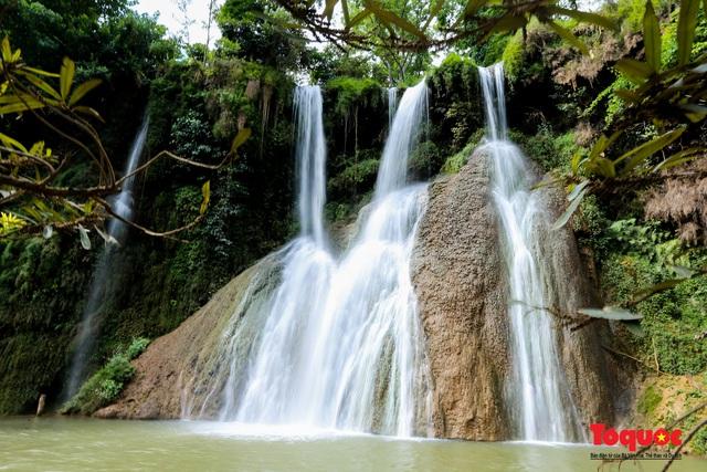 Chiêm ngưỡng vẻ đẹp của thác Dải Yếm giữa cao nguyên Mộc Châu - Ảnh 5.