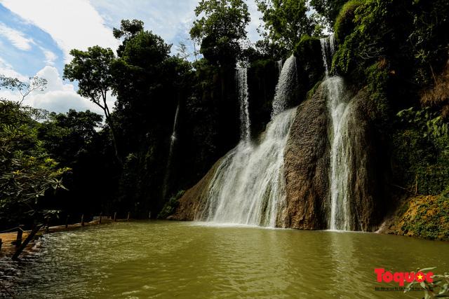 Chiêm ngưỡng vẻ đẹp của thác Dải Yếm giữa cao nguyên Mộc Châu - Ảnh 3.