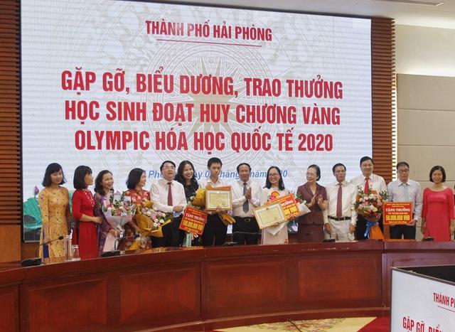 Hải Phòng khen thưởng học sinh đoạt Huy chương Vàng Olympic Hóa học quốc tế 2020 - Ảnh 1.