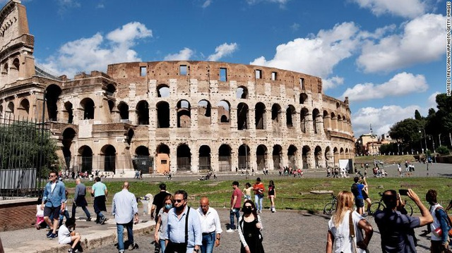 Đằng sau nỗ lực chống dịch bệnh tại Italy: Điều không ngờ tới? - Ảnh 1.