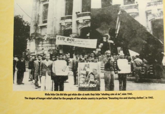 Khai mạc Trưng bày chuyên đề Chủ tịch Hồ Chí Minh- người sáng lập Nhà nước Việt Nam Dân Chủ Cộng Hòa - Ảnh 3.