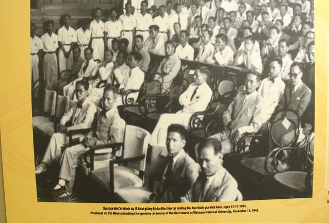 Khai mạc Trưng bày chuyên đề Chủ tịch Hồ Chí Minh- người sáng lập Nhà nước Việt Nam Dân Chủ Cộng Hòa - Ảnh 5.