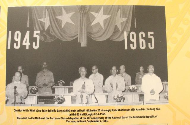 Khai mạc Trưng bày chuyên đề Chủ tịch Hồ Chí Minh- người sáng lập Nhà nước Việt Nam Dân Chủ Cộng Hòa - Ảnh 12.