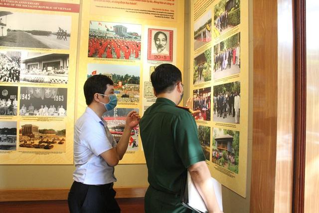 Khai mạc Trưng bày chuyên đề Chủ tịch Hồ Chí Minh- người sáng lập Nhà nước Việt Nam Dân Chủ Cộng Hòa - Ảnh 16.