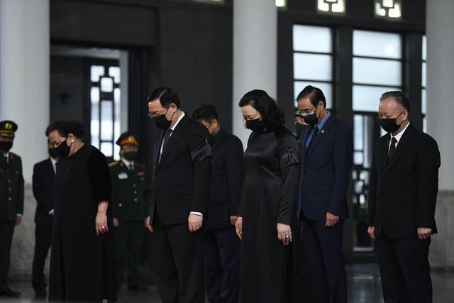 [Trực tiếp] Tổ chức trọng thể lễ viếng nguyên Tổng Bí thư Lê Khả Phiêu  - Ảnh 13.